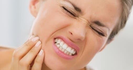 تورم استخوان دندان چیست؟