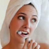 خونریزی لثه و دندان: (علت و درمان)