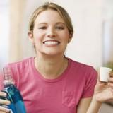انتخاب دهان شویه مناسب، نحوه استفاده، انواع (فلوراید وکلرهگزیدین) و خواص آن